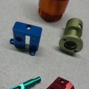 Anodisation colorée organique et inorganique